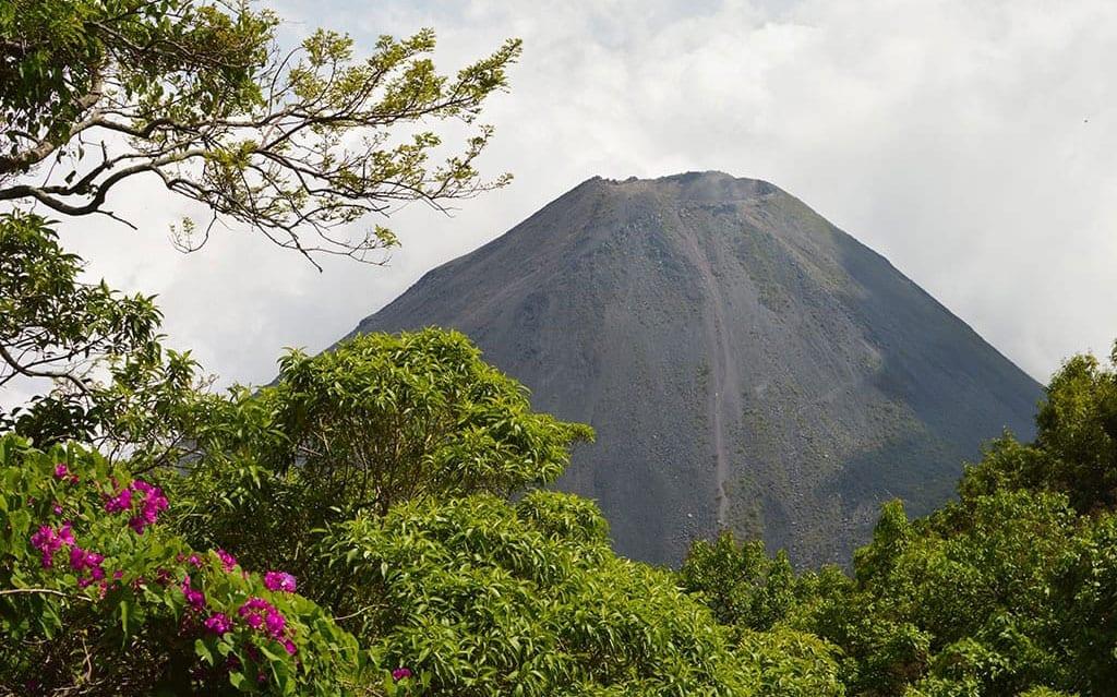 centro-america-el-salvador-vulcano-foresta-viaggio